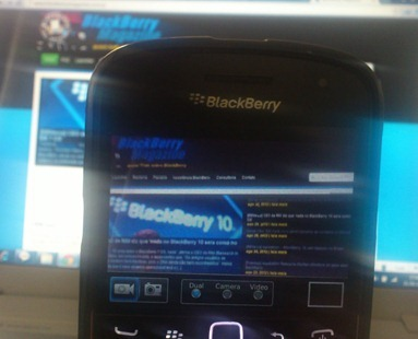 dualcam-blackberry-magazine