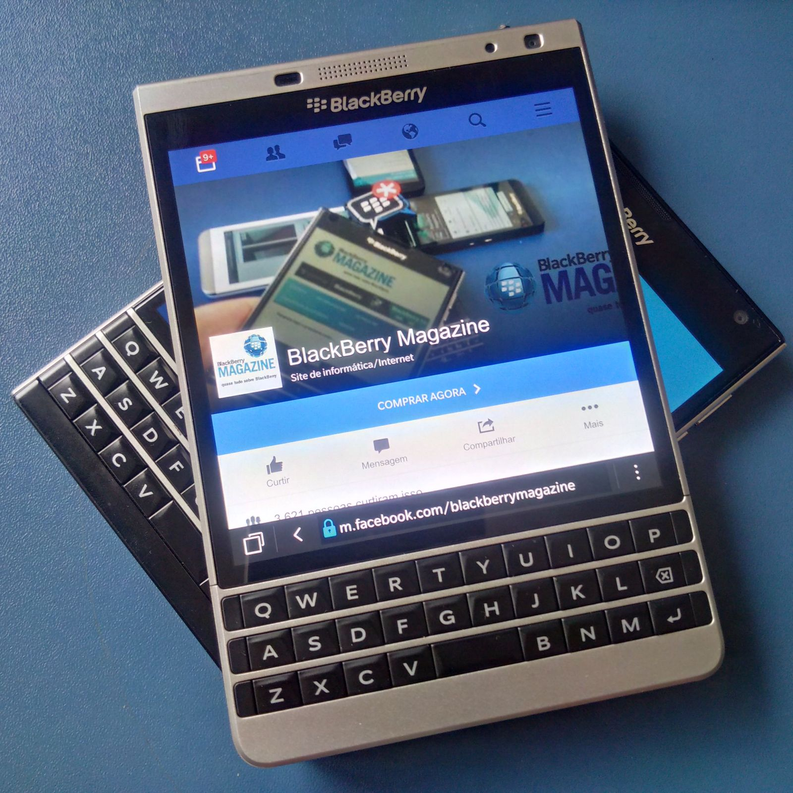 silver-edition-blackberry-magazine-visual